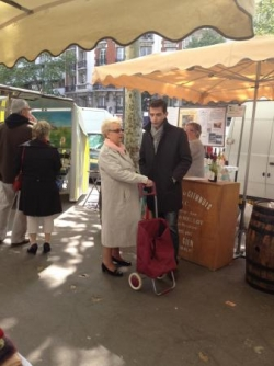 Au marché des producteurs, bd de Reuilly (12 mai 1