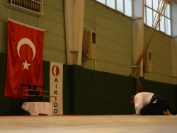 aikirei avec le drapeau turque