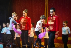 """le """"Cirque Français"""" à l'école Lucie Aubrac en 2019"""