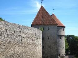 Vue sur les remparts avec Kiek in de Kök