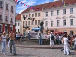 Raekoja Plats de Tartu en été