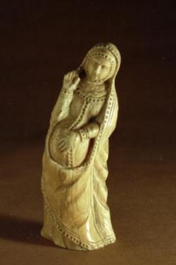 Vierge enceinte en ivoire