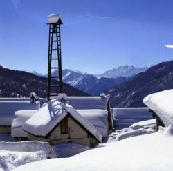neige et ciel bleu ...