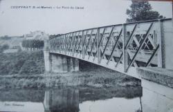 Pilier nord du pont rue de Lesches