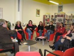 La table ronde à la bibliothèque Vailland