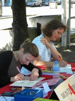 Suzanne Bogeat et Claire Frappé en plein travail