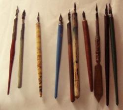 24 porte-plume différents