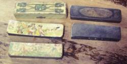 5 plumiers avec motifs