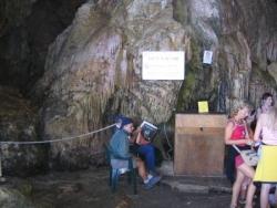Arrivée à la grotte de Neptune