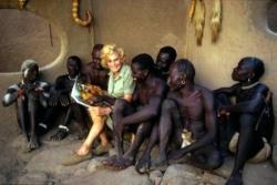 Dans une maison Nuba