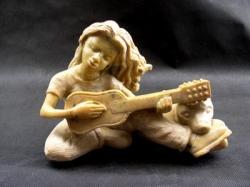 La petite guitariste des rues
