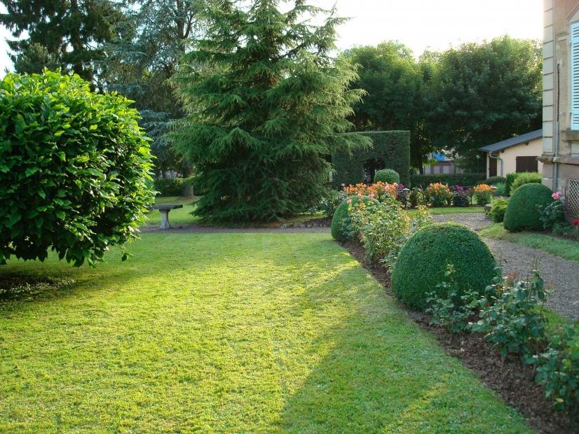 Entretien du jardin comment gagner du temps l 39 actu for Entretien jardin l union