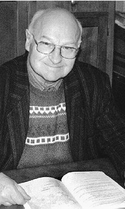 Abbé André Houot, curé de Bleurville