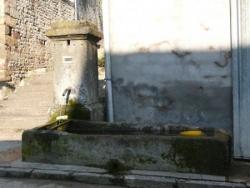 Bleurville : fontaine de la rue Saint-Pierre