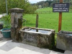 Fontaine rue de Monthureux