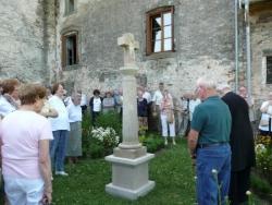 Bénédiction de la croix du jardin de l'abbaye