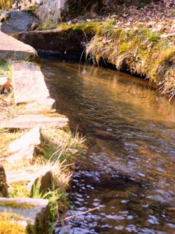 La Corrèze Canal des moines d'Aubazine