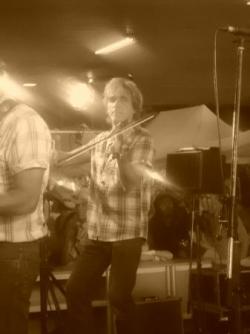 violonniste du groupe de Charlie West