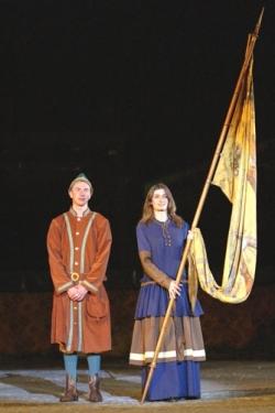 IV : Présentation de Jeanne et son fiancé au Roi..