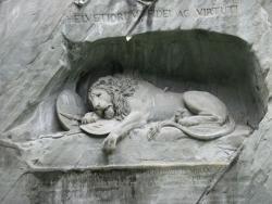 L'émouvant monument aux Suisses, à Lucerne
