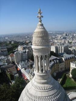 Au sommet de la coupole du Sacré Coeur, à Paris...