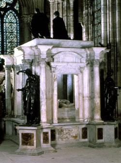 Le tombeau d'Henri II et Catherine de Médicis.