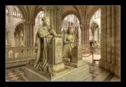 Le monument de Louis XVI et Marie-Antoinette.