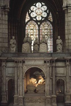 Le tombeau de François Ier et Claude de France.
