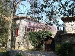 Attaches provençales : le Mas de la Vignasse...