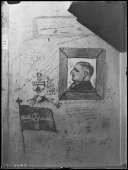 A l'imprimerie (II) : graffitis sur les murs...