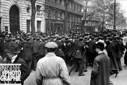 Cortège, 1925