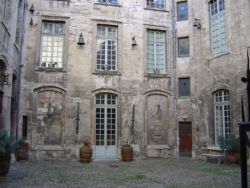 ...et le palais du Roure, en Avignon.