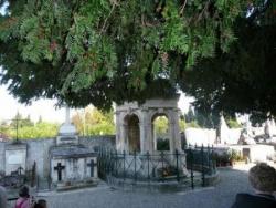 Le tombeau de Mistral: extérieur.