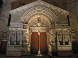 La coumunioun di sant (I): Saint Trophime...