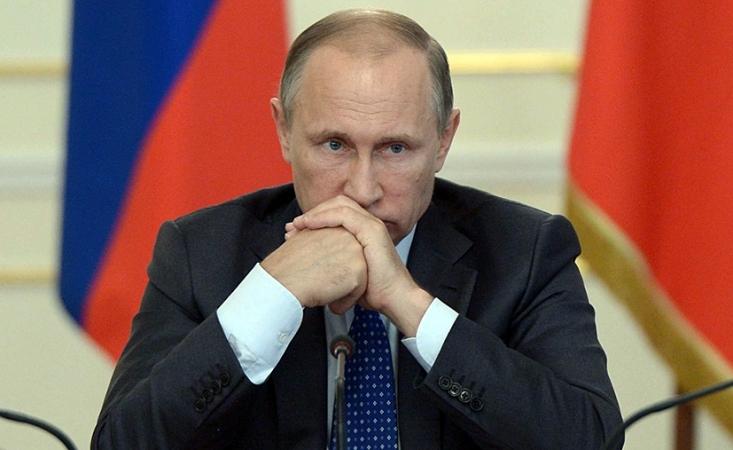 Vladimir Poutine contre l'universalisme occidental « La recherche de solutions globales s'est souvent transformée en une tentative d'imposer ses propres recettes universelles. La notion même de souveraineté nationale est devenue une valeur relative...  2580920533