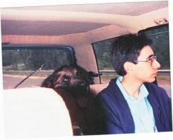 """Tiglon """"pompe"""" l'air de Cédric dans la voiture"""