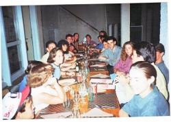 Tous à table