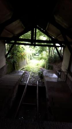 Vue de la voie depuis la gare haute