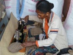 atelier de couture des sacs en soie