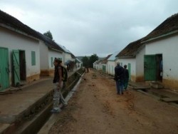 village en cours de rehabilitation.jpg