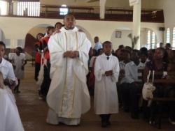 Farandole à la fin de la messe