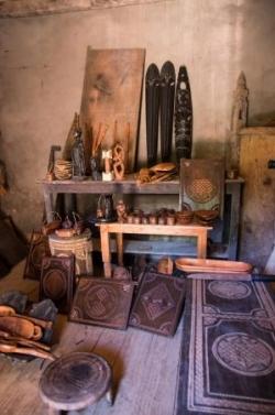 antoetra (4) vente d'objets en bois.jpg