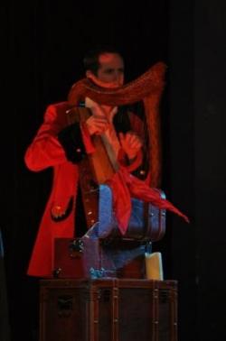 Un magicien, conteur et harpiste
