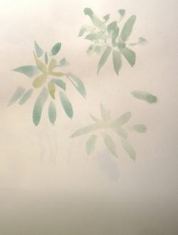 Le geste des feuilles fanées