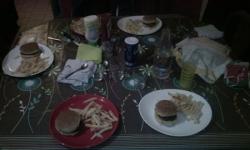 Hamburger-frites, trop classe le menu du Nouvel An