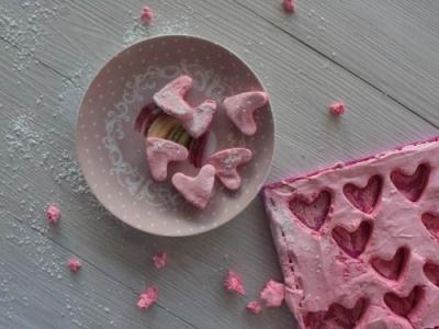 Petits c urs en guimauves pour la saint valentin flamant for Cadeau pour la maison