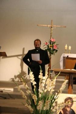 Le P. François révise les chants
