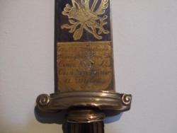 Une arme mystérieuse ciselée à Dijon