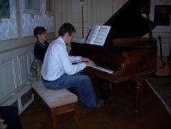 Erwan au piano - Printemps des poètes 2010