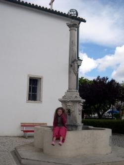 Fonte junto a Igreja do cardal